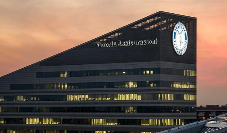 Insegne luminose - Grande impianto a led per Vittoria assicurazioni