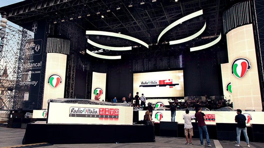 Custom Visual Technologies - Light Box - Radio Italia