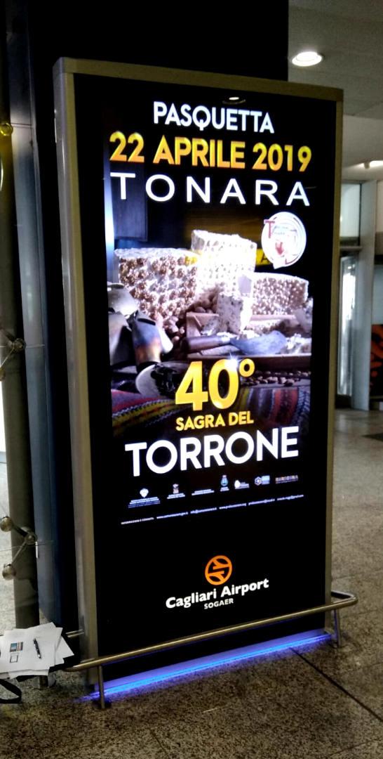 Digital Signage - Cagliari areoporto - led wall totem