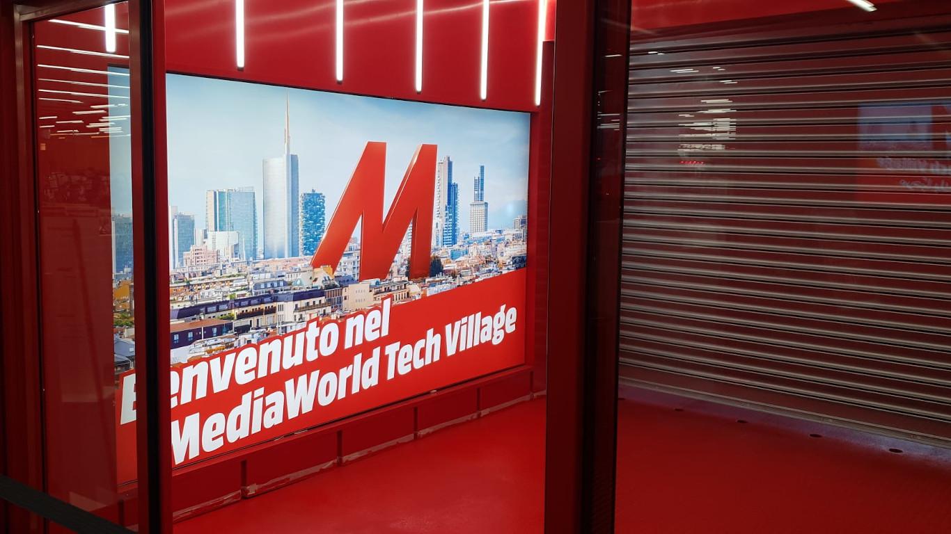 Branding e pellicole - lightbox - Mediaworld