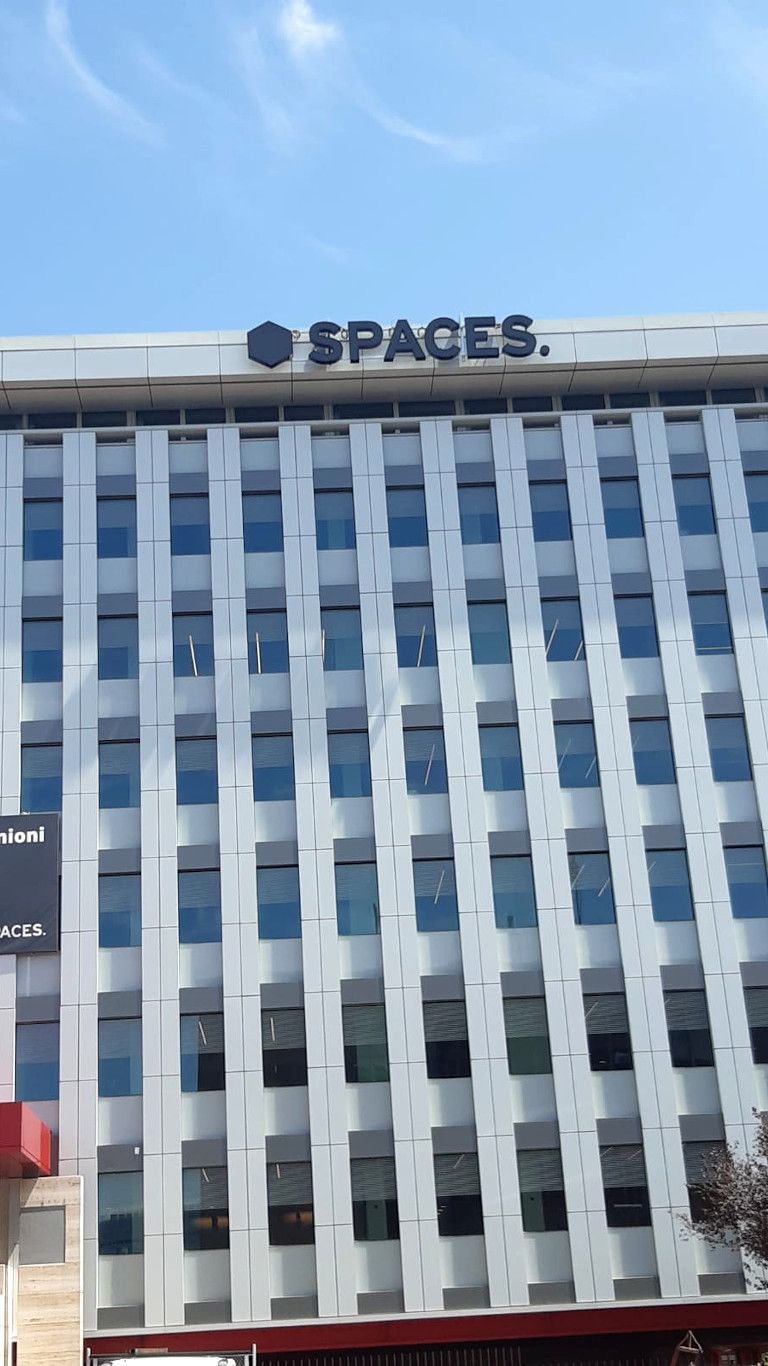 Spaces - insegna Roma