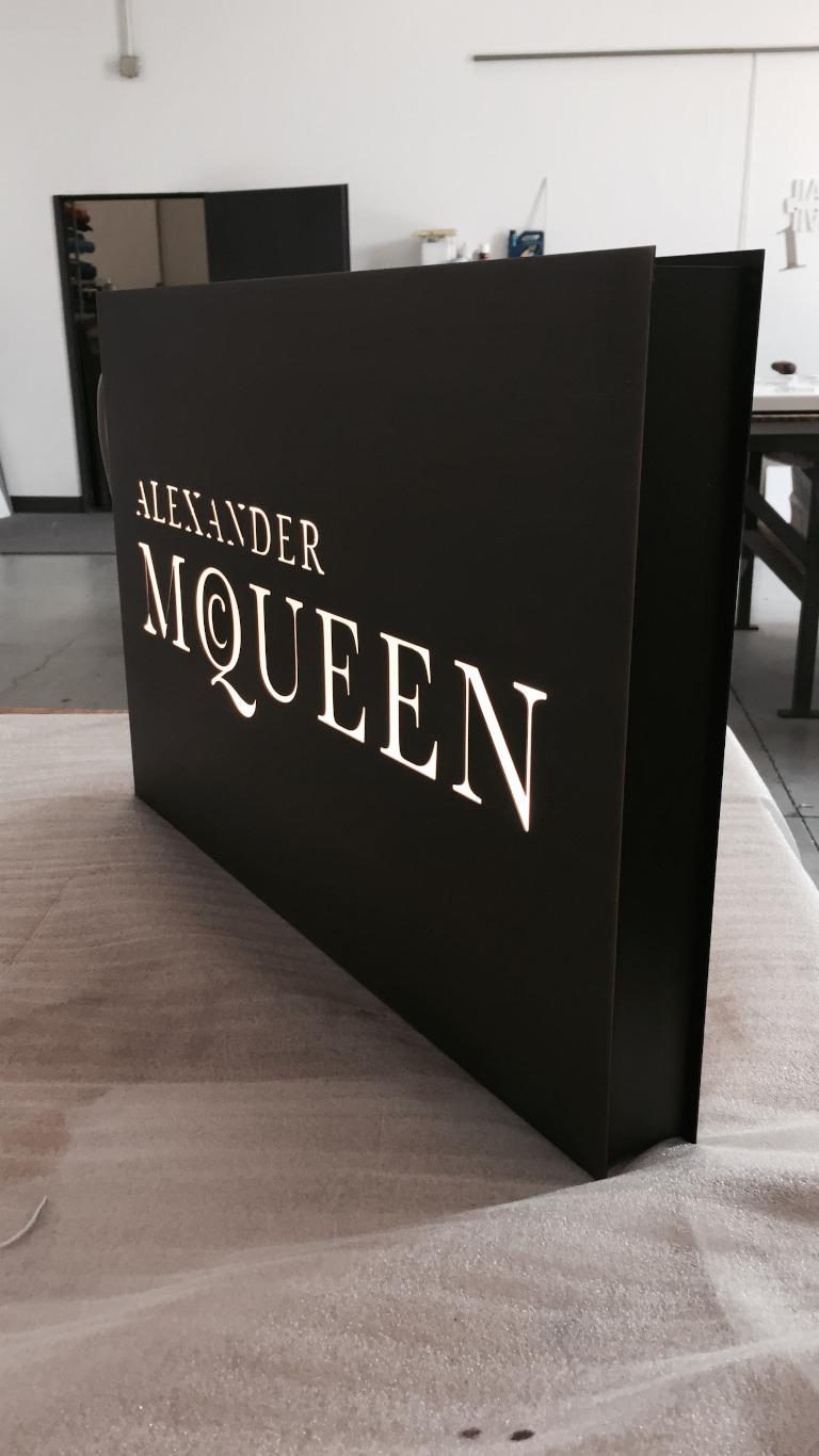 Insegna - Alexander McQueen