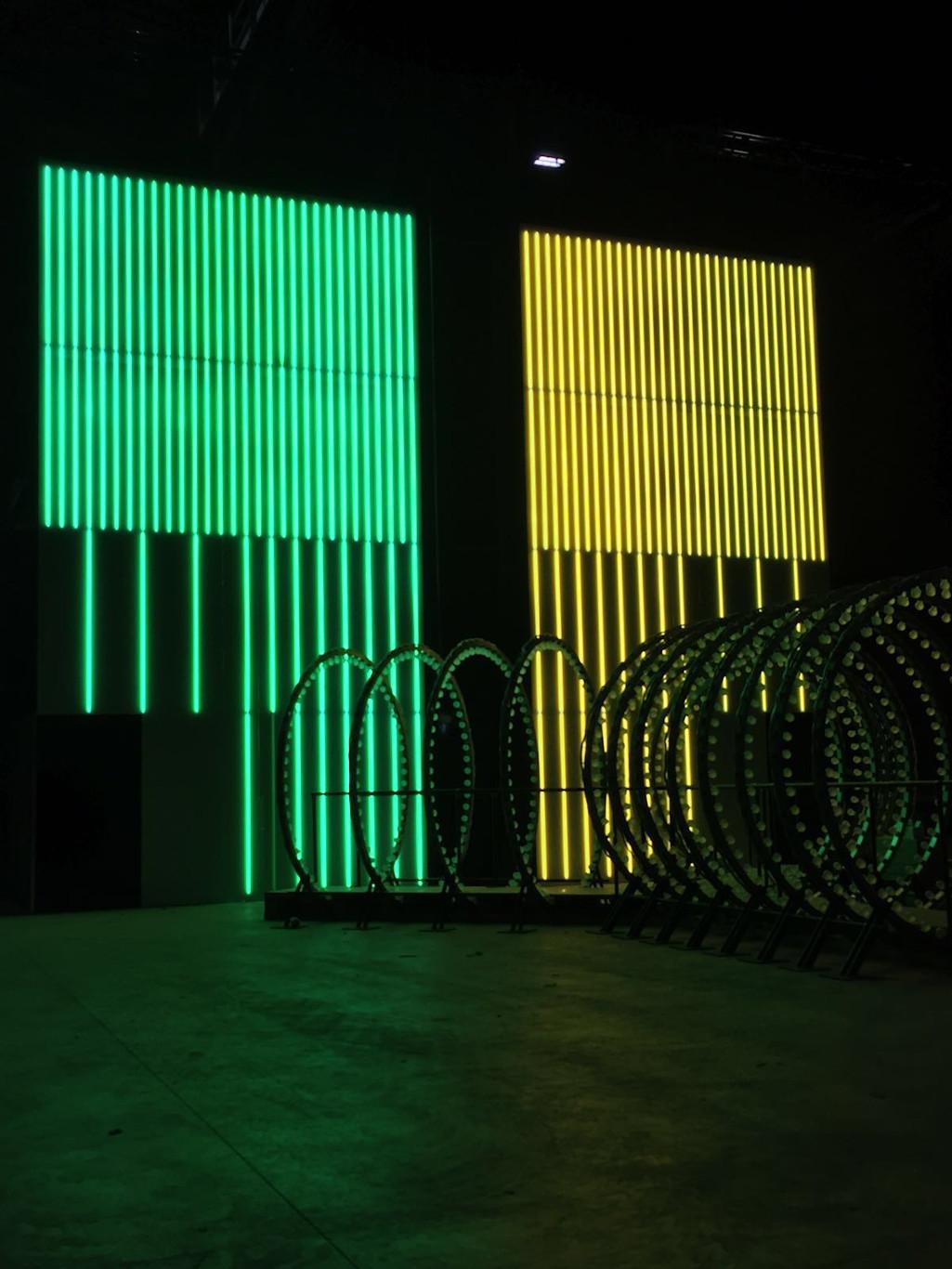 Insegna - installazione a neon