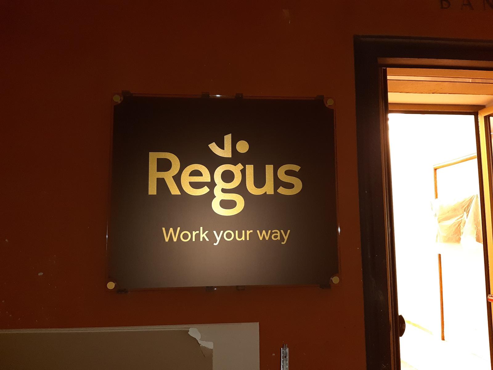 Branding - Regus BO5
