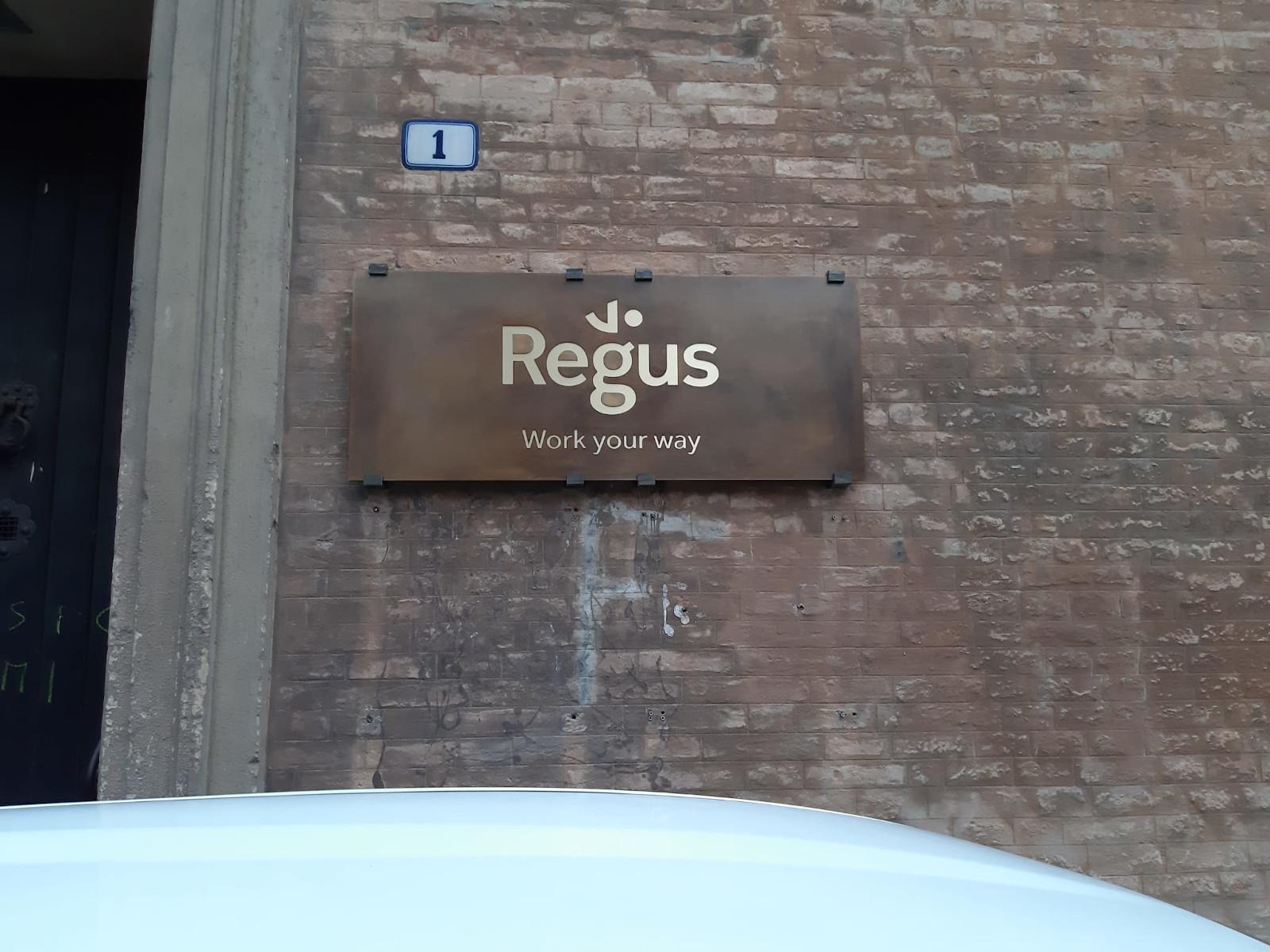 Branding - Regus BO6