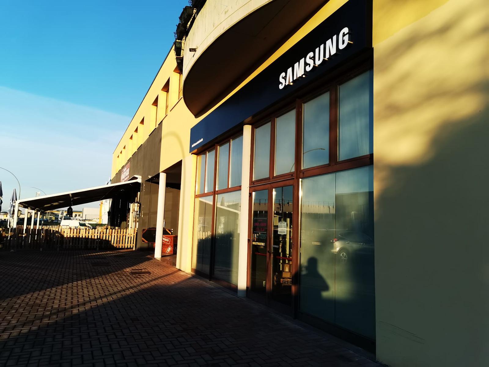 Insegna - Samsung4